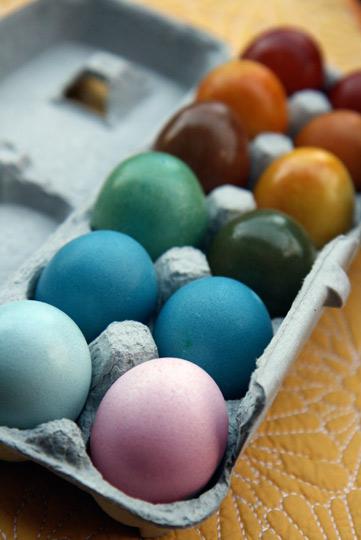 2010_4_1-veg-easter-eggs3